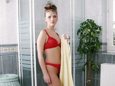 Gorgeous blonde hottie showing off kickass body in black lingerie